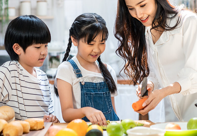 Good Habits Start Early: 7 Reasons to Get Your Kids Involved in the Kitchen